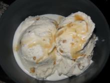Walnuss-Karamell-Eis mit Wow-Effekt - Rezept