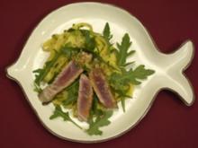 Rosig gebratener Thunfisch mit Limonenkruste und Nudeln (Elke Rosenfeldt) - Rezept