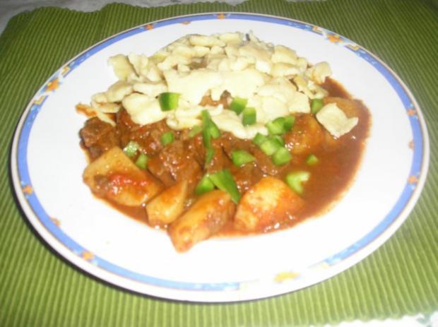 Ungarisches Gulya's (Kesselgulasch, Bograczgulya's) - Rezept