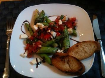 Grüner Spargel mit Tomaten-Salsa - Rezept