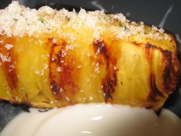 Gegrillte Ananas mit Minzzucker - Rezept