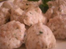 Frischkäse-Kräuterklößchen - Rezept