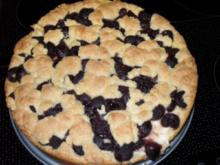 Pudding-Streusel-Kuchen mit Kirschen - Rezept