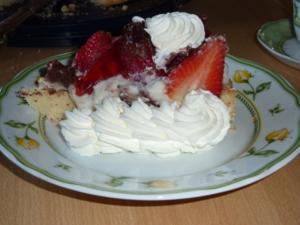 Torten: Erdbeertorte mit Pfefferminze - Rezept