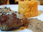 Lammbouletten mit Walnuss-Pfeffer-Sauce und Süßkartoffel-Püree - Rezept