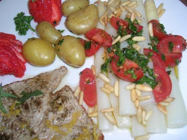 Spargel mit Zitronen-Kalbsschnitzel und Tomaten-Vinaigrette - Rezept - Bild Nr. 4