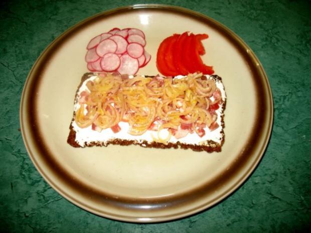 Snack/Brot – Schmand-Speck-Zwiebel-Brot - Rezept