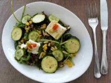 Salat mit Hirtenkäse und Zucchini - Rezept