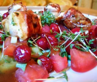 Feta im Speckmantel auf Salat - Rezept