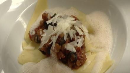 Pastafetzen mit Aubergine, Tomaten und Basilikum - Rezept