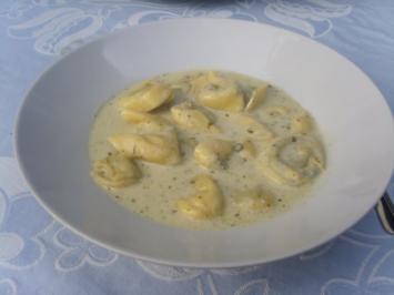 Tortellini in Weisswein und Blauschimmelkäse - Rezept