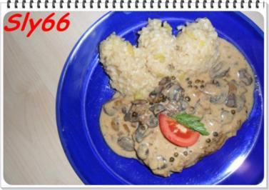 Fleischgerichte:Naturschnitzel in Pfeffer-Champignonsoße - Rezept