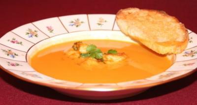 Kokos-Tomaten-Suppe mit Jakobsmuscheln - Rezept
