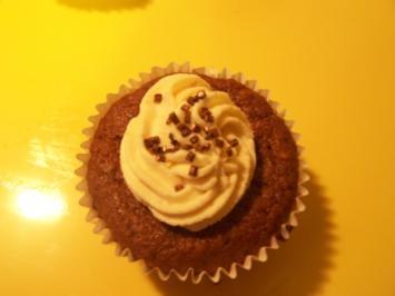 Dattel-Schoko-Muffins mit Frischkäse-Topping - Rezept