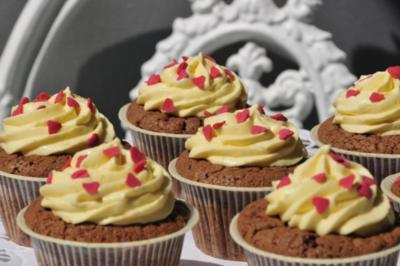 Rezept: Schokolade Cupcakes mit Mangocreme
