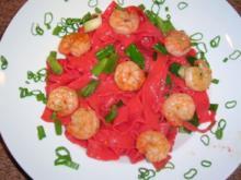 Rote-Beete-Pasta mit Scampi (schnelle, aber leckere Feierabendküche) - Rezept