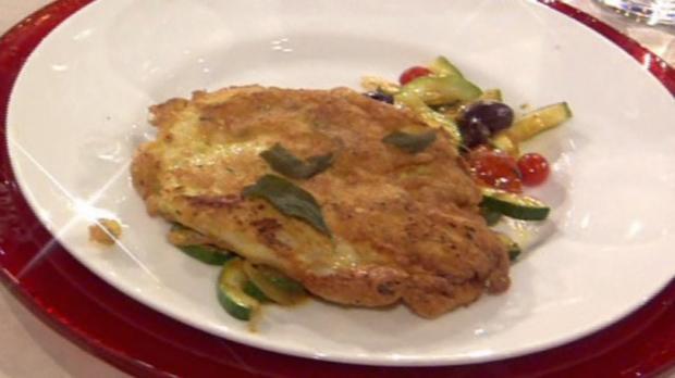 Hühnchenbrust in Parmesan-Hülle mit mediterranem Tomatengemüse à la Zacherl - Rezept