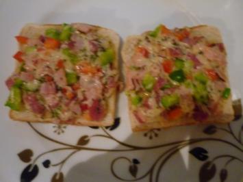 Scharfer Schinken- Salami Toast - Rezept