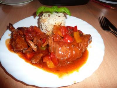 Fl/Schwein: Rippchen  in Salsasoße - Rezept