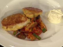 Hühnchenbrust in Parmesan-Hülle mit mediterranem Tomatengemüse (Verena Kerth) - Rezept