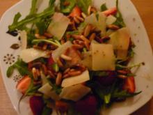Rucola-Basilikumsalat mit Erdbeeren - Rezept