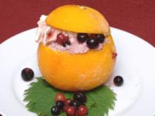Cassis-Sorbet in geeister Apfelsine - Rezept