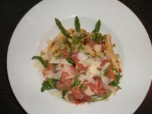 Spargelpfanne mit Rucola, Schinken und Parmesan - Rezept