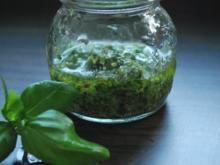 Basilikum-Pesto - Rezept