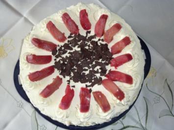Torten: Rhabarber-Tiramisu-Torte - Rezept