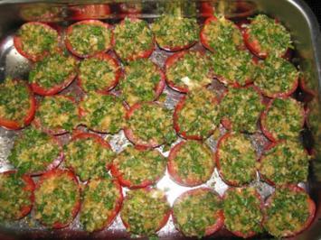 Rezept: Vorspeise: Knusprig überbackene Tomaten oder Riesenchampignons