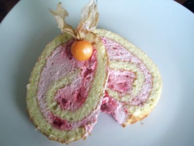 Himbeer-Sahne-Biskuit-Rolle - Rezept