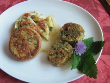 Ziegenkäsetaler in Kräuterpanade mit lauwarmem Spargelsalat und Panadeküchlein - Rezept