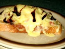 Snack/Brot - Toast mit Tomaten, Zwiebeln und rohem Schinken - Rezept