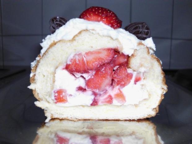 Erdbeer-Rolle - Rezept - Bild Nr. 3