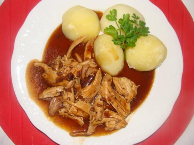 Geflügel : - Gekochtes Huhn in brauner Sauce - - Rezept