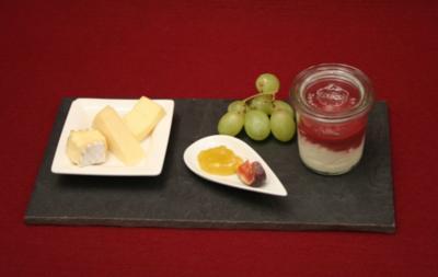 Käseplatte und Quarkcrème - Rezept