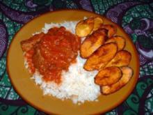 Nigerian Rice and Stew mit gebratenen Plantains (Kochbananen) - scharf ! - Rezept