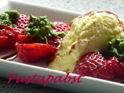 Erdbeeren mit süssem Pesto - Rezept