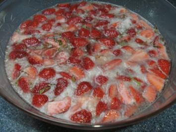 Erdbeerbowle .....wie wir sie mögen - Rezept