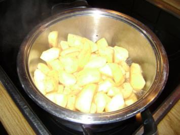 Dinkel Pfannenkuchen mit Apfelmus - Rezept