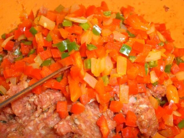 Gefüllter Hackbraten auf Tomatensauce - Rezept - Bild Nr. 3