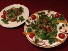 Thaibasilikum-Pesto auf Ciabatta an Feldsalat mit warmem Speck-Balsamico-Dressing (Michael - Rezept