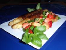 Gebratener Spargel mit Erdbeer-Melonen-Basilikum-Salat - Rezept