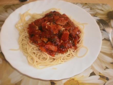 Spaghetti in Tomaten-Schinkensauce - Rezept