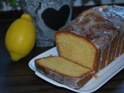 Saftiger Zitronenkuchen - Rezept