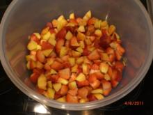 Erdbeeren-Nektarinen Bowle mit Campari - Rezept