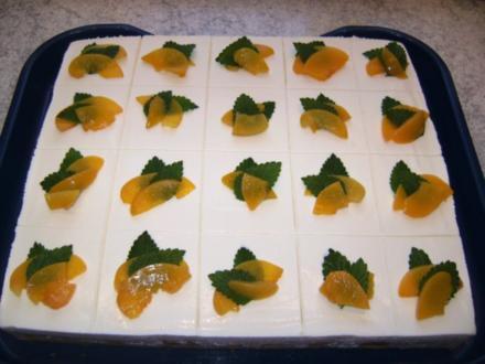 Joghurt-Schmand-Pfirsich-Schnitten - Rezept