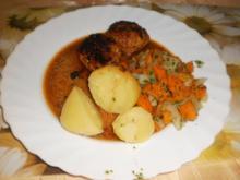 Hackbällchen ~ Möhren-Kohlrabi-Gemüse ~ Salzkartoffeln - Rezept
