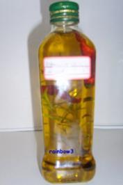 Gewürz: Rosmarin-Chilli-Kräuteröl - Rezept