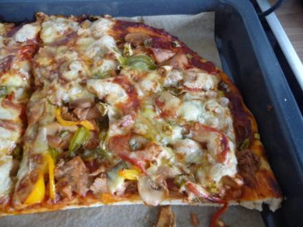 Pizza : Salami und Thunfisch Halb & Halb - Rezept